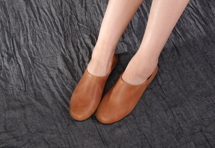 Handmade Flat Shoes for Women, Casual Shoes, Soft Shoes, Retro Oxford Shoes, Vintage style Leather Shoes by HerHis on Etsy https://www.etsy.com/listing/190812096/handmade-flat-shoes-for-women-casual