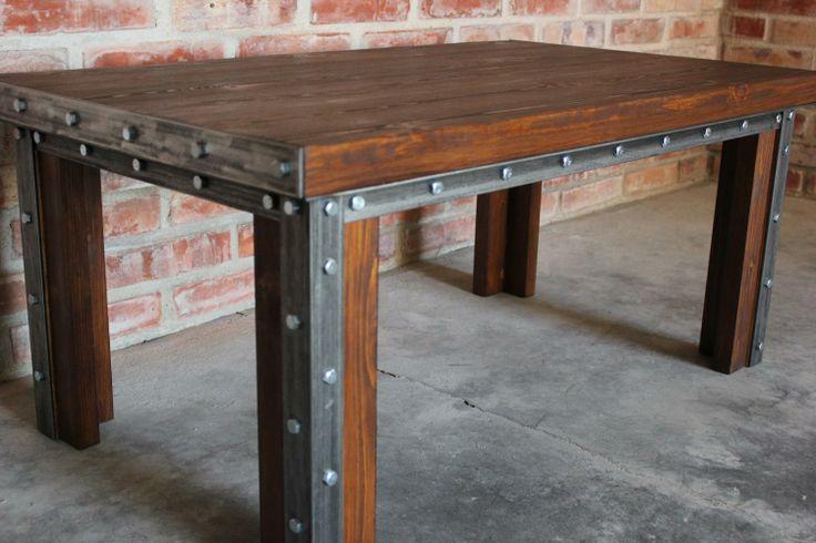 Ława Frame urzeka prostotą formy i eleganckim wykończeniem. Doskonale sprawdza się jako stolik kawowy.