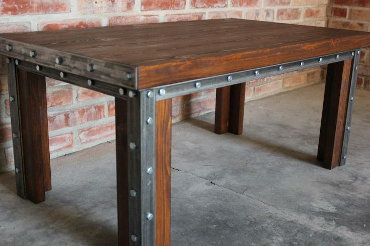 Ława Arrow doskonale spełni funkcję stolika kawowego lub jako element wyposażenia recepcji lub poczekalni.