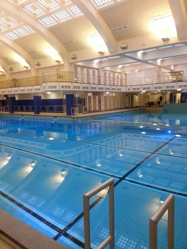 Oostelijk Zwemband,  iedere week met de kinderen er naartoe  voor zwemles !