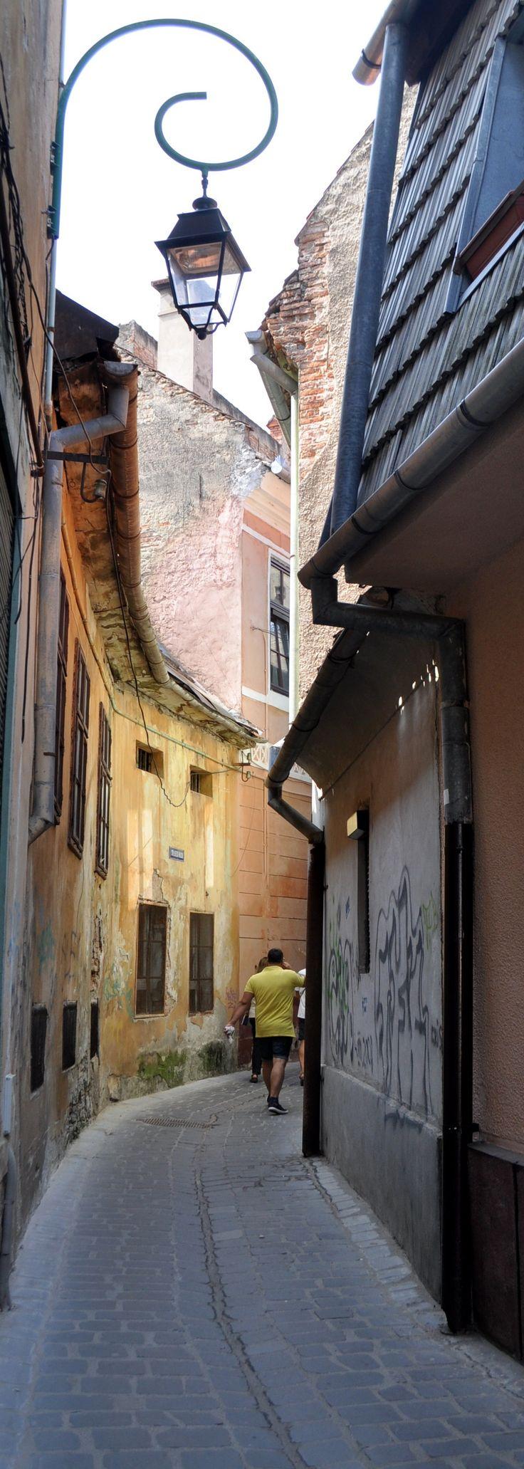 Calle rumana en curva