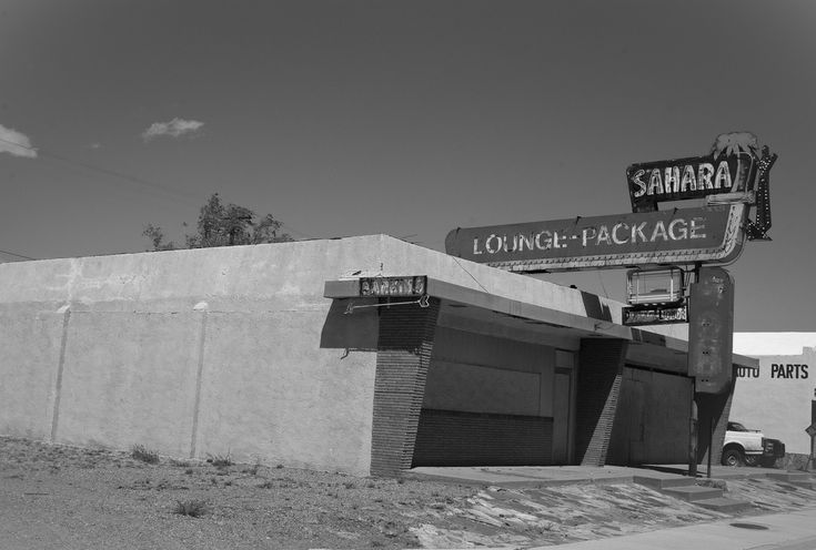 https://flic.kr/p/9FxUsm | Sahara Lounge - Route 66 (wide) | A much more bleak shot of the former Sahara Lounge.  On Route 66 in Santa Rosa, New Mexico.