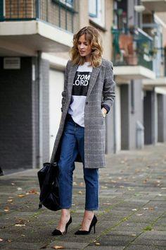 チェック柄のチェスターコートでラフなシャツもカチッときまる。働くタイプのキャリア系コーデ。スタイル・ファッションの参考に♪