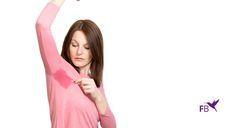 Hoe krijg je zweetvlekken uit je kledingstukken? Lees hier hoe je stap-voor-stap weer je kleding zweetvrij krijgt en hoe je het voorkomt.