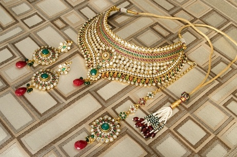 Kundan Bridal Jewellery: Amari's Statement Necklace, Earring, & Tika Set