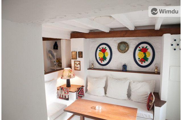 Hydra Small House