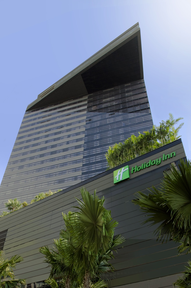 Holiday Inn Bangkok Sukhumvit 22 - Hotel Facade (Day time)