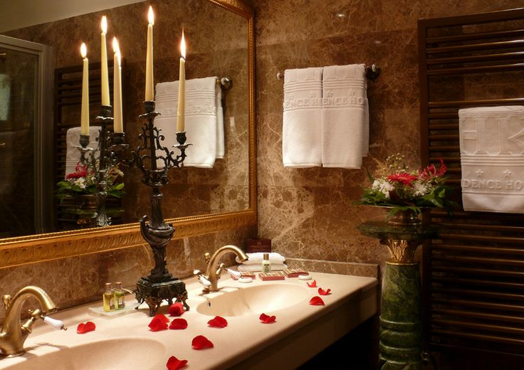 All hotel rooms are decorated with massive cherry and oak wooden furniture, Egyptian cotton and English linen, have air-conditioning, cable TV, mini-bar, direct international phone, LAN and wireless Internet. You also benefit by day time room-service, laundry and ironing, private parking, concierge and secretarial services.