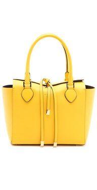 Bolsa amarela.