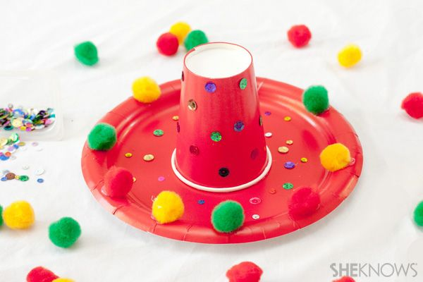 Cinco de Mayo crafts - Paper plate sombreros  @SheKnows #crafts #kids #cincodemayo