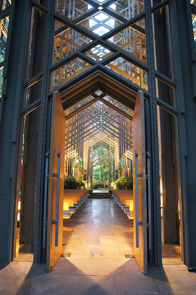 Eureka Springs, Arkansas Via Thorncrown Chapel 5 LAREIRAS Sou apaixonada por lareiras, ... E. Fay Jones