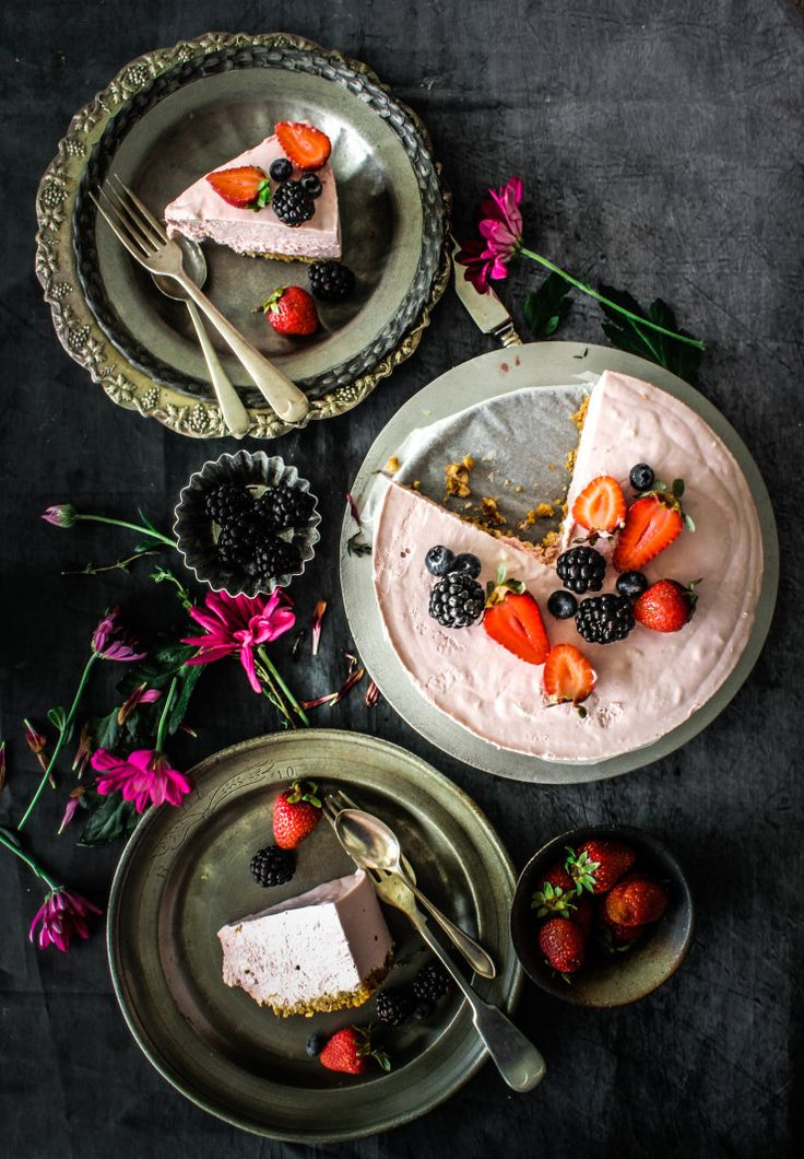 Ice Cream Cheesecake with mixed berry and thyme