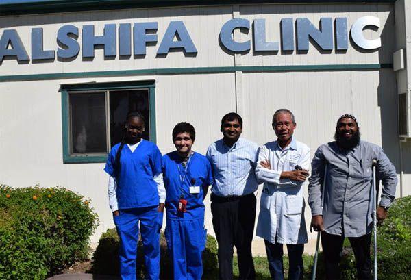 Para dokter Muslim di Klinik Al-Syifa di California memberikan pengobatan gratis bagi warga miskin  CALIFORNIA (Arrahmah.com) - Sebuah klinik kesehatan baru di Yayasan Penyuluhan Islam Amerika (AIOF) di California menawarkan perawatan medis gratis sebulan sekali untuk orang-orang yang tidak memiliki asuransi dan yang hidup di bawah garis kemiskinan.  Klinik ini dimulai pada bulan Oktober setelah Raza Ulhaq seorang apoteker Charlotte menyadari bahwa banyak dari warga setempat yang…
