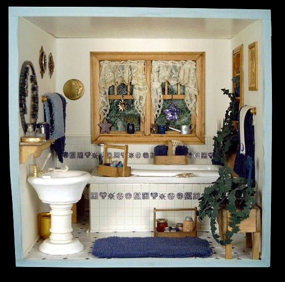69 Best Dollhouse Bathrooms Images On Pinterest