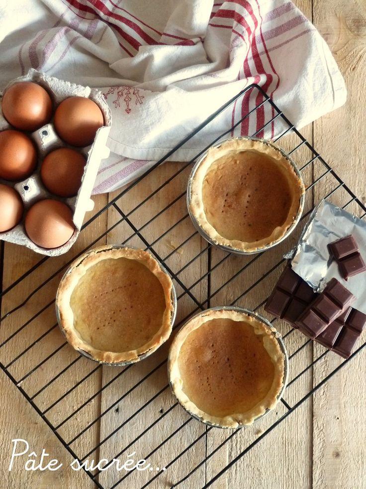 Pour faire une bonne tarte il vous faut une bonne pâte, il y a la pâte feuilleté, la pâte brisée rapide et parmi d'autre la pâte sucrée dont voici la recette, plus longue à réaliser et un peu moins facile à manipuler que la pâte brisée elle est une excellente...