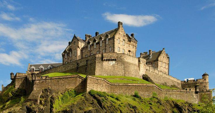 17. Old and New Towns of Edinburgh (에든버러 신·구 도시) - Edinburgh Castle