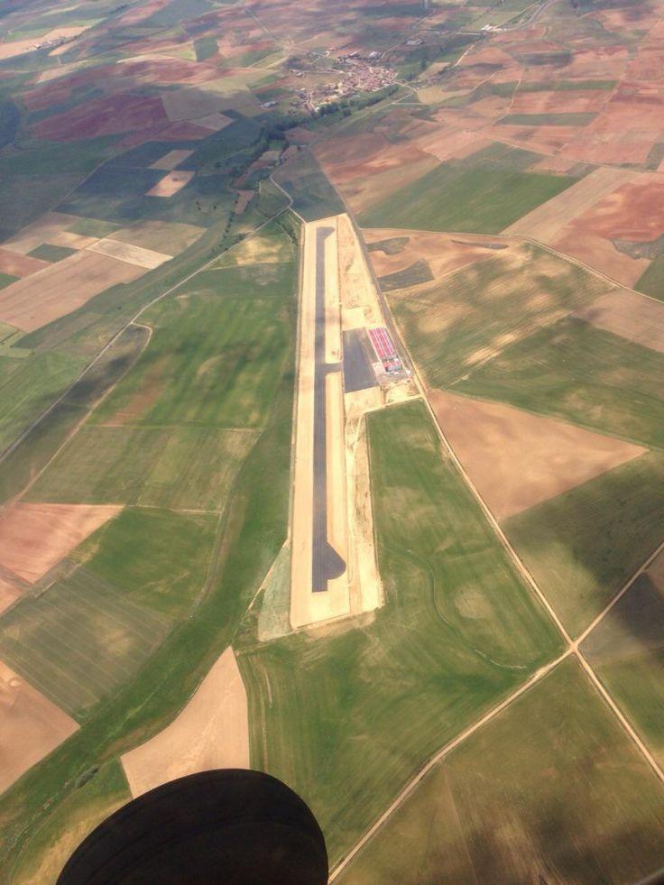 http://www.aterriza.org/aerodromo-los-oteros/ aerodromo los oteros general