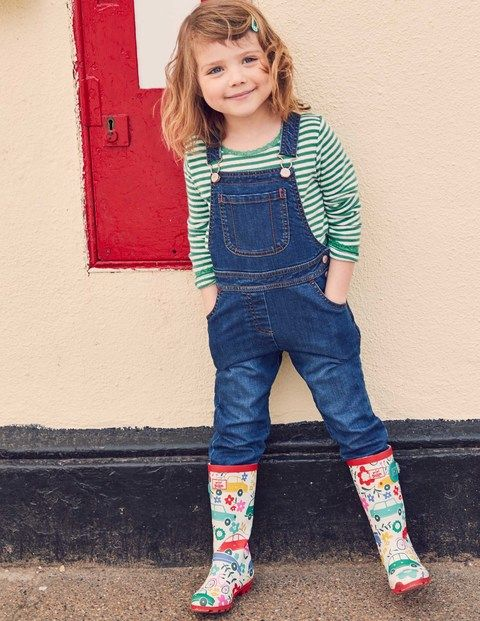 Rainy days? No problem. With these printed wellies, that just means more fun jumping in puddles. These playful designs match our umbrellas for the perfect wet-weather kit and have buckle straps for a great fit.