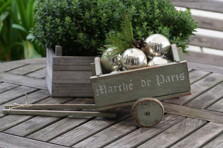 Vintage Deko - Zuckersüßer uralter kleiner Handwagen - ein Designerstück von WaldteufelManufaktur bei DaWanda