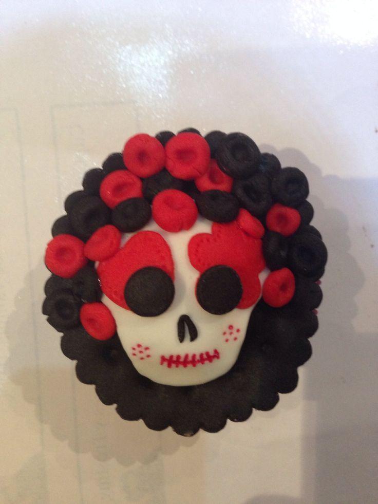 Cupcake calaverita de azúcar