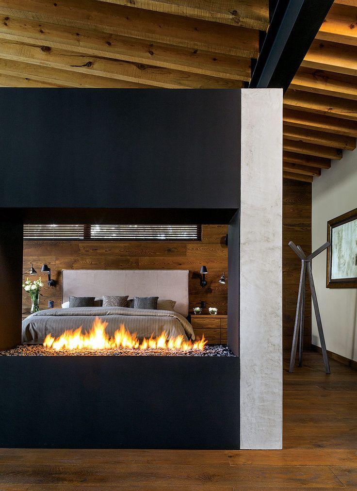 El contacto visual con el exterior desde todos los espacios de la casa genera una sensación de libertad.