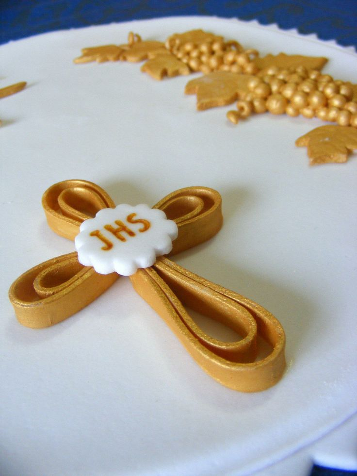 holy communion cake 3