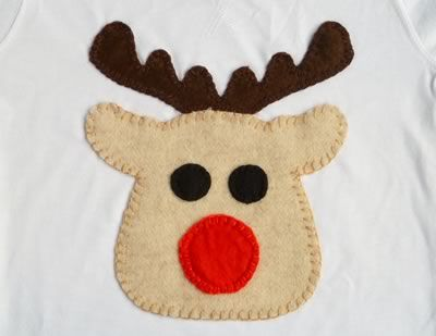 free applique patterns - reindeer.This one would be adorable for a little boy Christmas outfit!