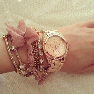 Stacked Bracelets, Fashion, Wrist Candies, Rose Gold Watches, Dusty Pink, Accessories, Gold Jewelry, Arm Candies, Arm Parties