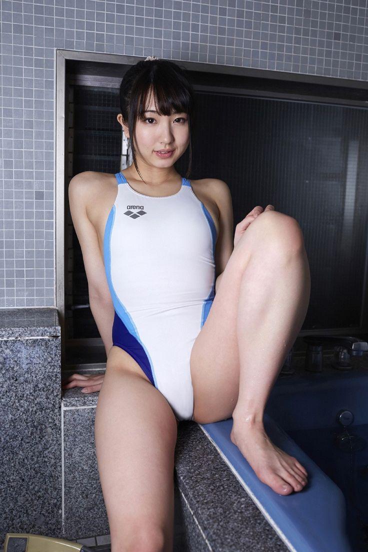 小さな競泳水着 エロ投稿画像