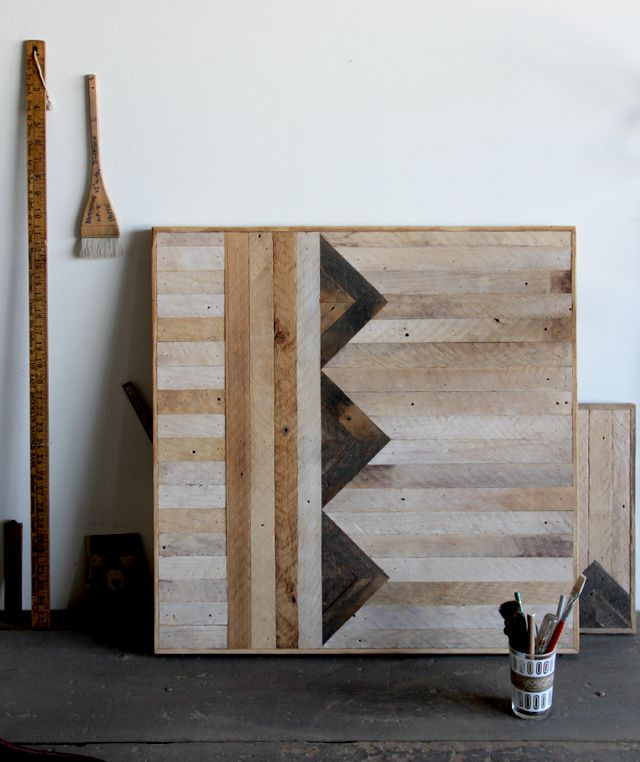Ariele Alasko... nice pattern for a table top from recycled pallets