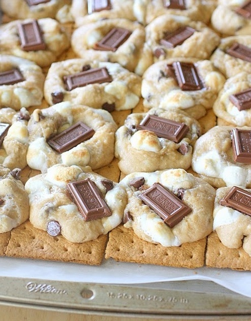 Smore Cookies-indoor smores to the rescue! Happy National Smore Day!