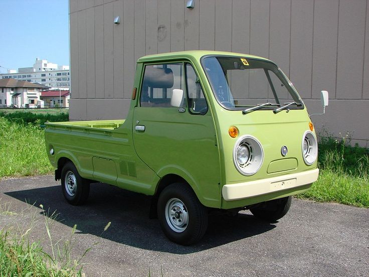 1976 Mazda Porter Cab Kei Truck located at our shop in Japan. The speedo shows 44900 KM. Engine in the truck is a 360cc liquid cooled 2 cylinder 2 stroke engine. Truck drives and runs good for it's age. This truck has had some restoration work done on it. The Porter Cab Emblem is missing