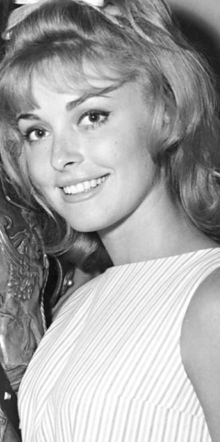 https://flic.kr/p/Es6WJg | Sharon Tate (1963)