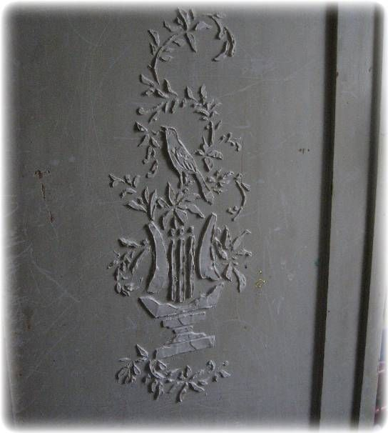 Step by step instructions on how to stencil stucco on furniture, walls or art. Found via TipJunkie.com