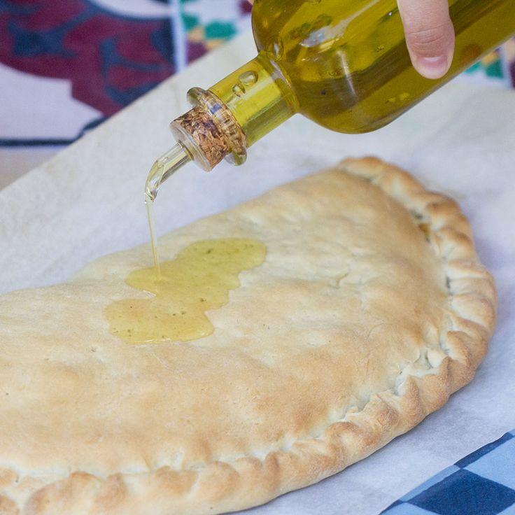 Calzone de salami y jamón de york. Receta italiana con Thermomix «  Thermomix en el mundo
