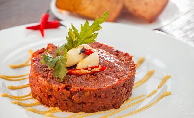 300 g XXL tatarák z pravej hovädzej sviečkovej v Restaurant Parlament