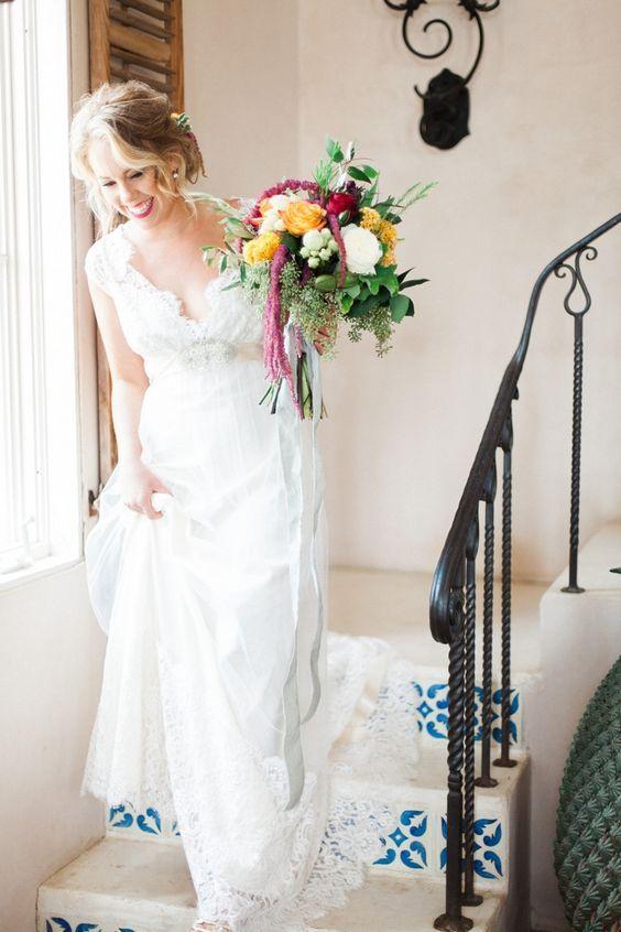 Queen Anne's Lace wedding dress Romantique by Claire Pettibone, Bouquet: The Last Petal, Photo: Stephanie Hunter Photography http://romantique.clairepettibone.com/collections/bohemian-rhapsody/products/queen-annes-lace