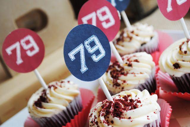 baseball party cupcakes