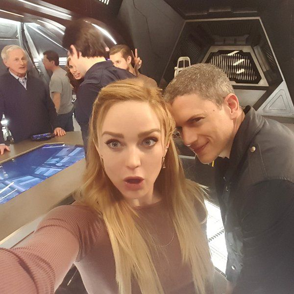 Adorable!!! from Caitylotz: Tonight things get cold for Sara and Snart! Don't miss it 8/7c!! #legendsoftomorrow