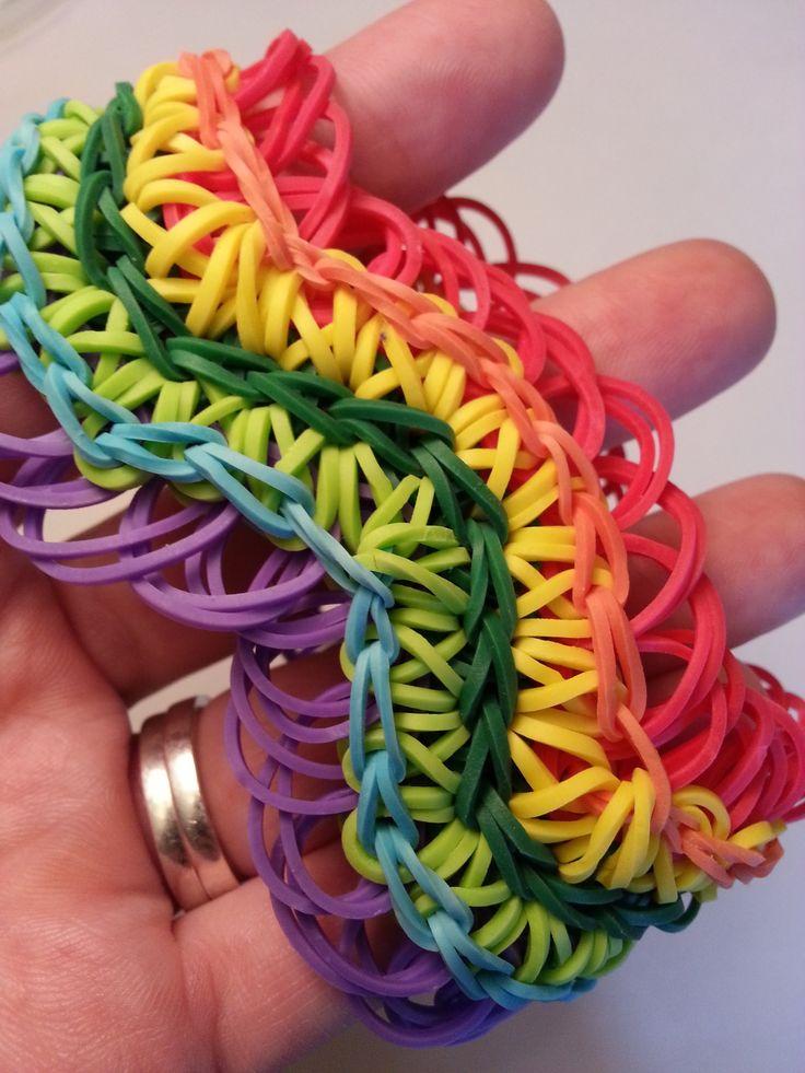 Rainbow Loom Wave Bracelet (with rings) tutorial