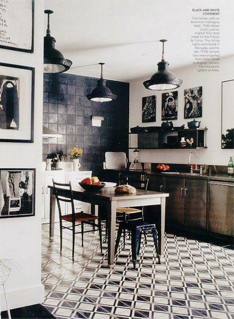 Black & white statement kitchen - Daily Dream Decor