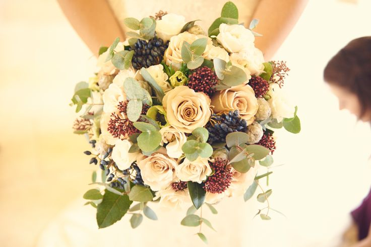 My gorgeous bouquet for winter wedding at Kingscote Barn #kingscotebarn #winterwedding #stephaniesaundersflowers