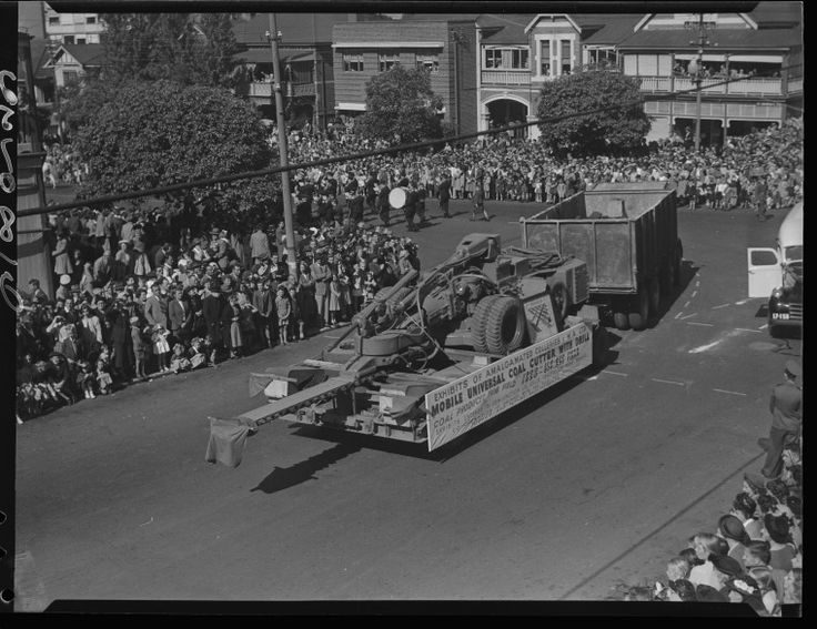241167PD: Mobile universal coal cutter with drill on a parade float for the Commonwealth of Australian Jubilee Celebrations cavalcade, held on 9 May 1951 ( https://encore.slwa.wa.gov.au/iii/encore/record/C__Rb3507696