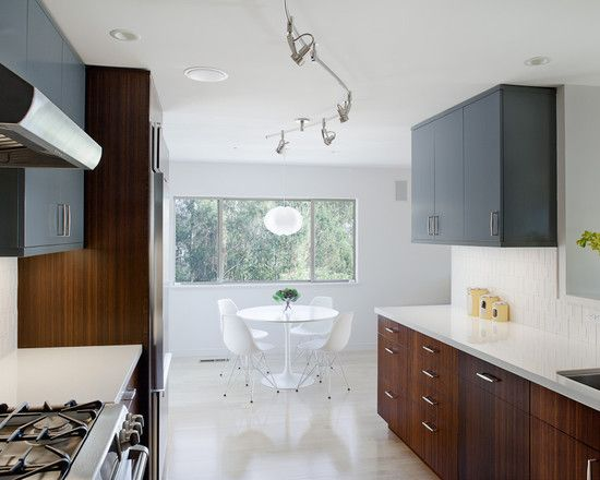 Simple Minimalist Apartment Inspiration For Small Space: Modern Kitchen  With Fancy Breakfast Nook Brentwood House