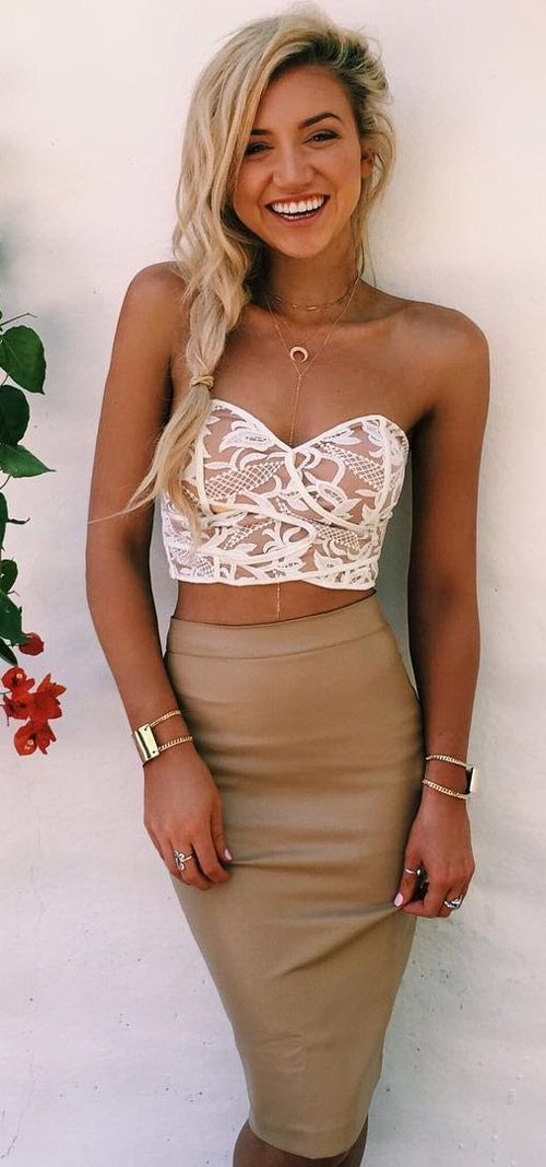 More summer please, I love sun. This lace strapless top is anything but boring! The amazing bodycon skirt is spot on for the upcoming summer season!