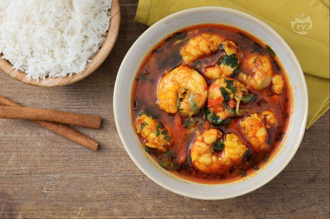 Il curry di gamberi è un tipico piatto indiano che unisce sapori e aromi speziati alla consistenza dei crostacei, rendendoli succosi e piccanti!