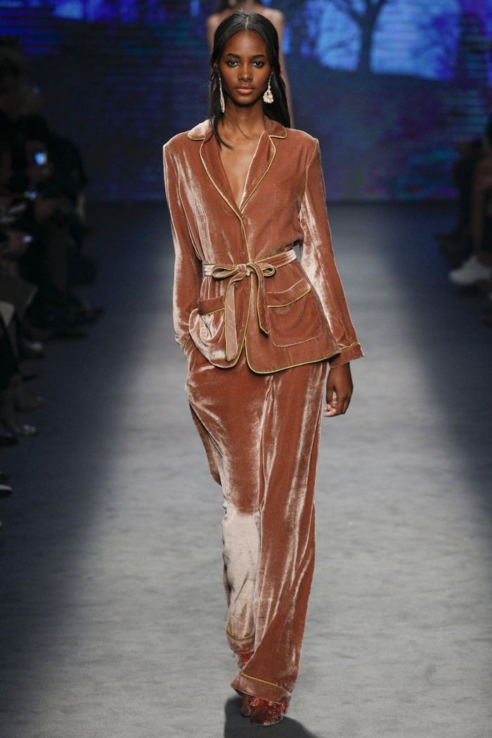 Alberta Ferretti showcased a languid, pajama infused outing for her label's fall-winter 2016 show presented during Milan Fashion Week. The collection opened with a number of slinky satin number in green with lace embroideries. From there, pajama style tops closed with bows and worn over slouchy trousers were topped with wool coats. Velvet—a mainstay in …