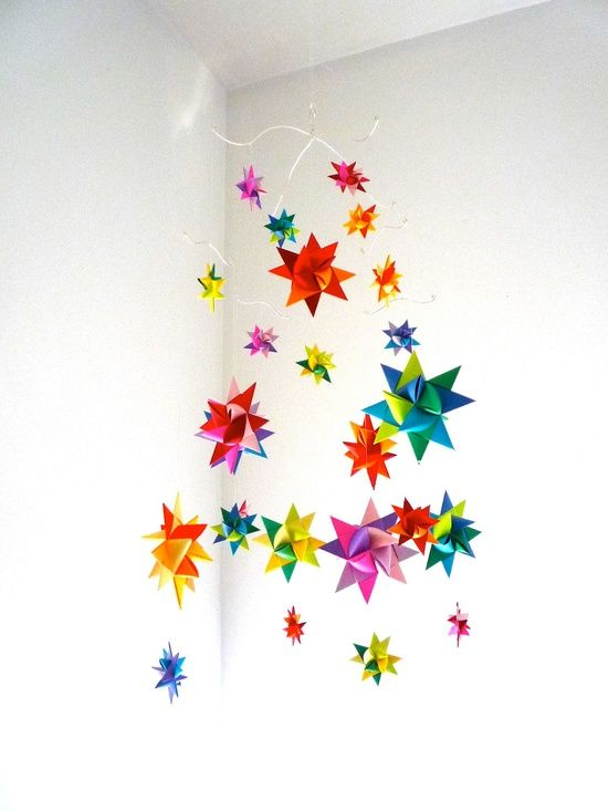 diy modern baby mobile hanging origami stars craft. Black Bedroom Furniture Sets. Home Design Ideas