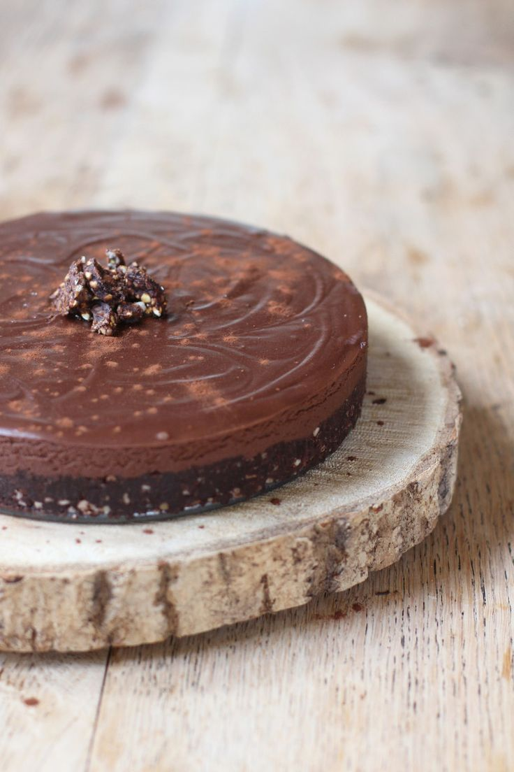raw vegan chocolate truffle tart