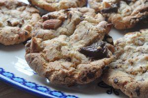 Cookies med mandler, chokolade og salt - nemme og sprøde